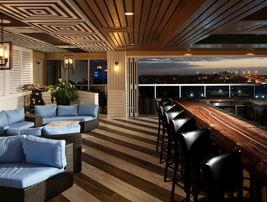 Vantage Rooftop Bar of The karol Hotel Clearwater